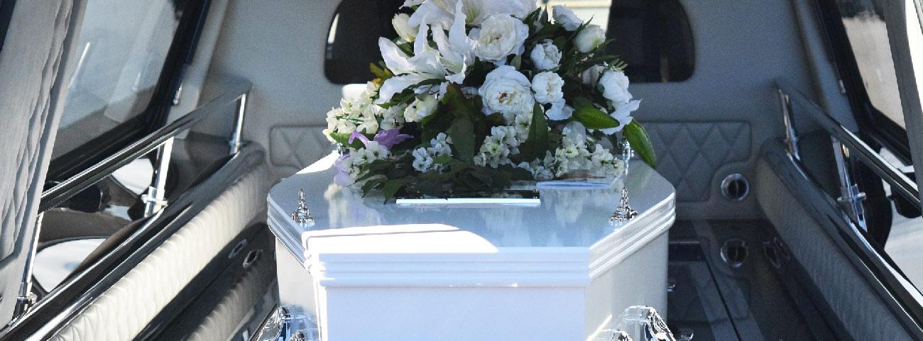 transport cercueil en corbillard